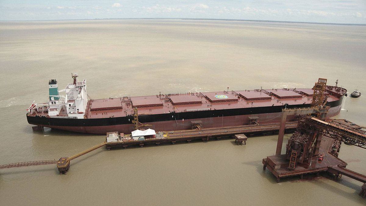 The main means for Vale to cut transportation costs - the construction of a fleet of giant 'Valemax' ships - ran into trouble after China refused permission for the 400,000-deadweight-tonne vessels, some of the largest afloat, to dock in local ports.
