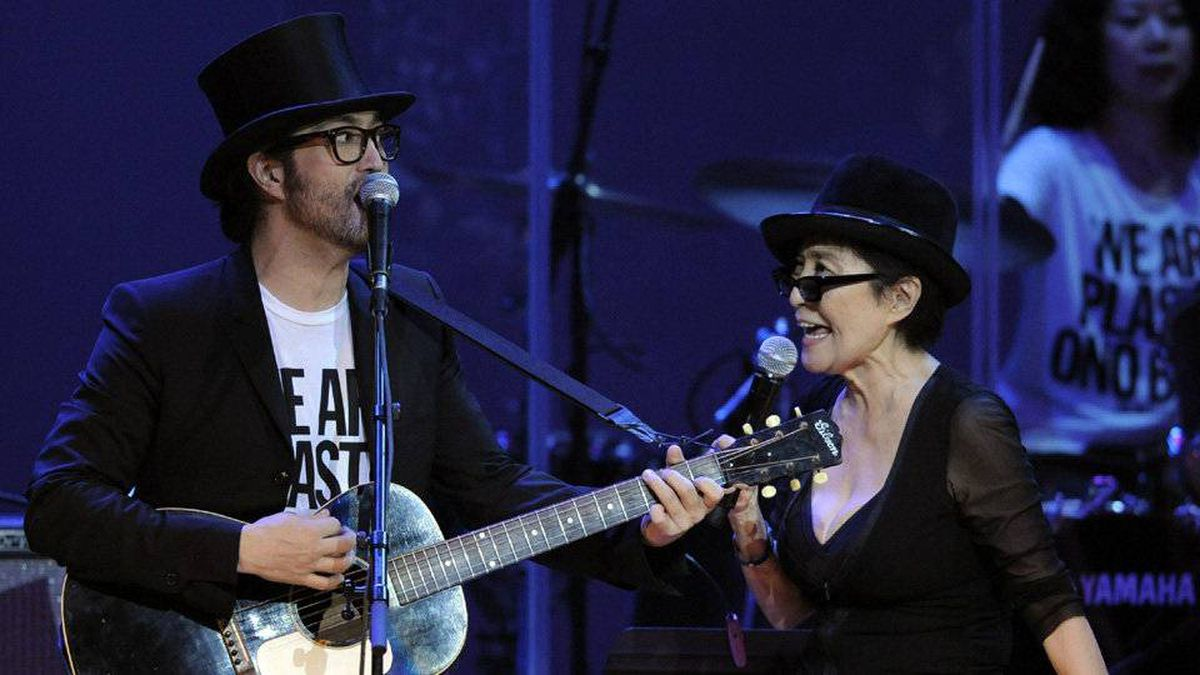 "In this Oct. 1, 2010 file photo, Yoko Ono, right, performs alongside her son Sean Lennon during the ""Yoko Ono: We Are Plastic Ono Band"" concert at the Orpheum Theater in Los Angeles."