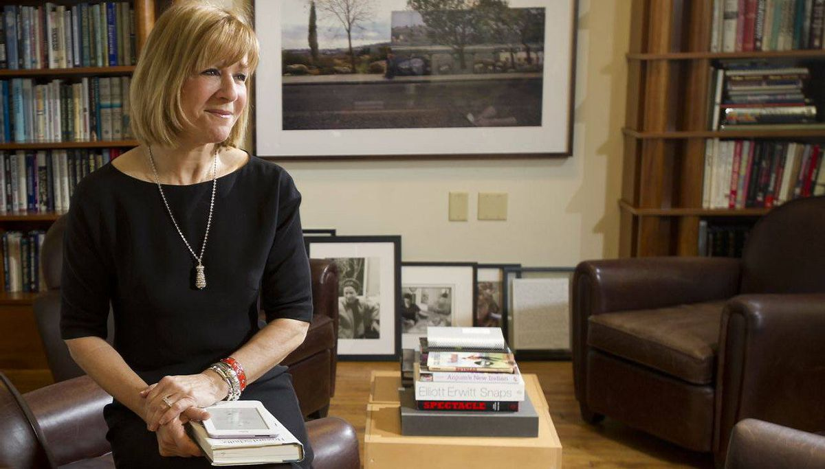 CEO Heather Reisman changed Indigo?s business model from just a seller of books to a 'cultural department store' that sells such items as reading lamps and decorative dishes.