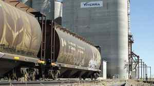 Viterra Inc., which operates this grain elevator near Regina, is one of the companies cheering the end of the Canadian Wheat Board's monopoly.