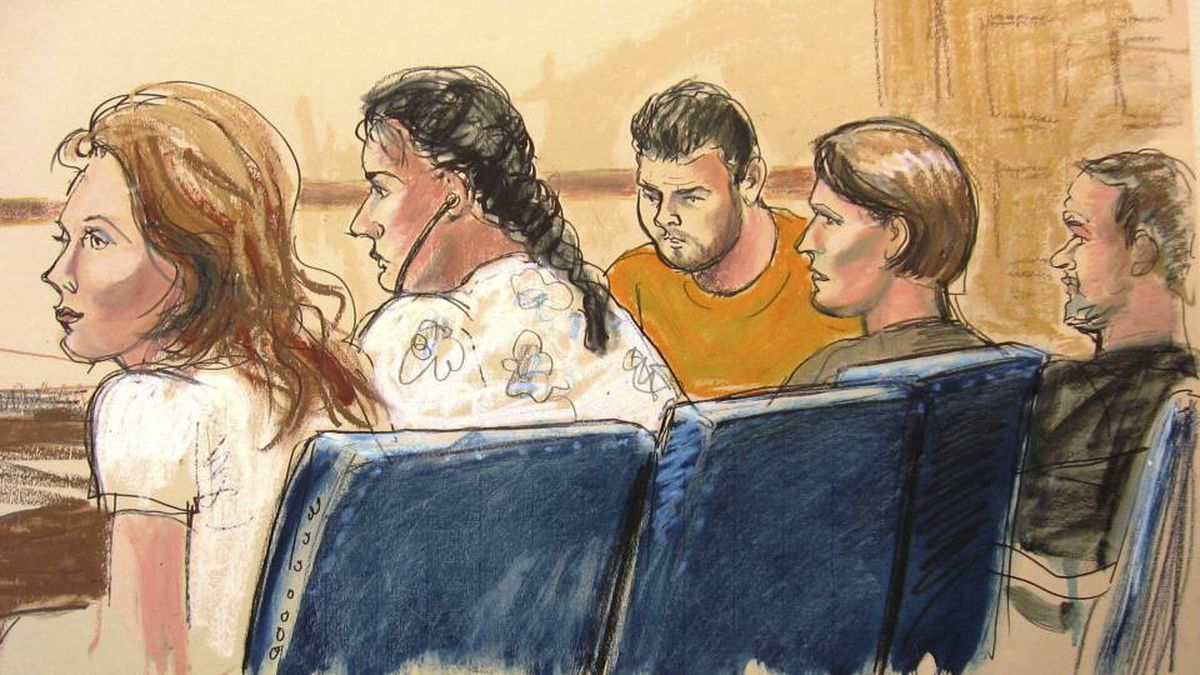 """In this courtroom sketch, Anna Chapman, left, Vicky Pelaez, second from left, the defendant known as """"Richard Murphy"""", center, the defendant known as """"Cynthia Murphy"""", second from right, and the defendant known as """"Juan Lazaro"""" are seen in federal court in New York on June 28, 2010."""
