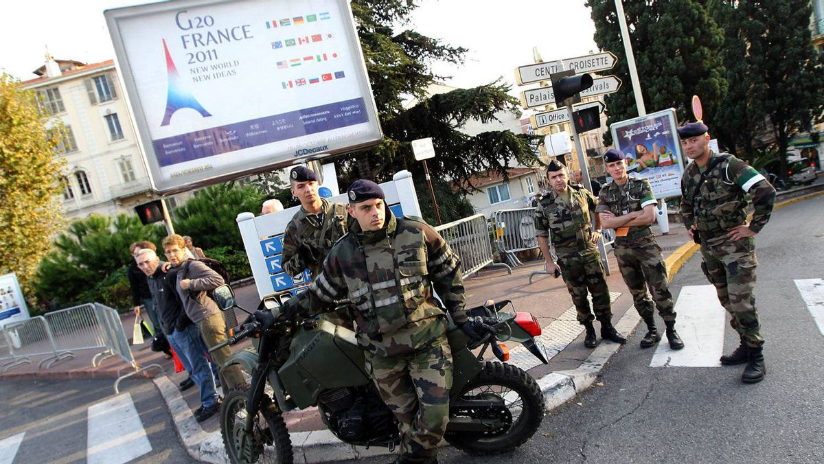 French soldiers stand ready in Cannes, southeastern France, three days ahead of the G20 summit held in this city.