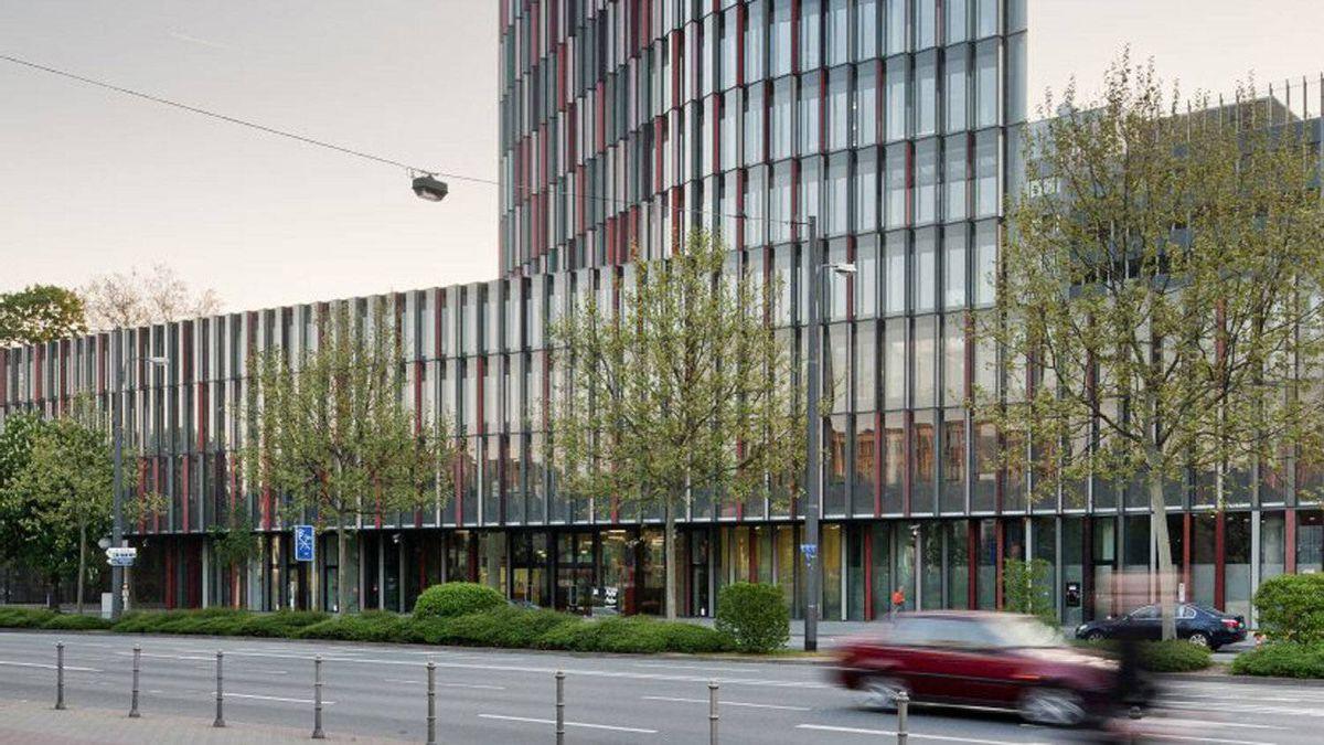 KfW Westarkade, Frankfurt, Germany. By Sauerbruch Hutton Architects.
