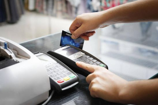 The rules for using cash and credit cards