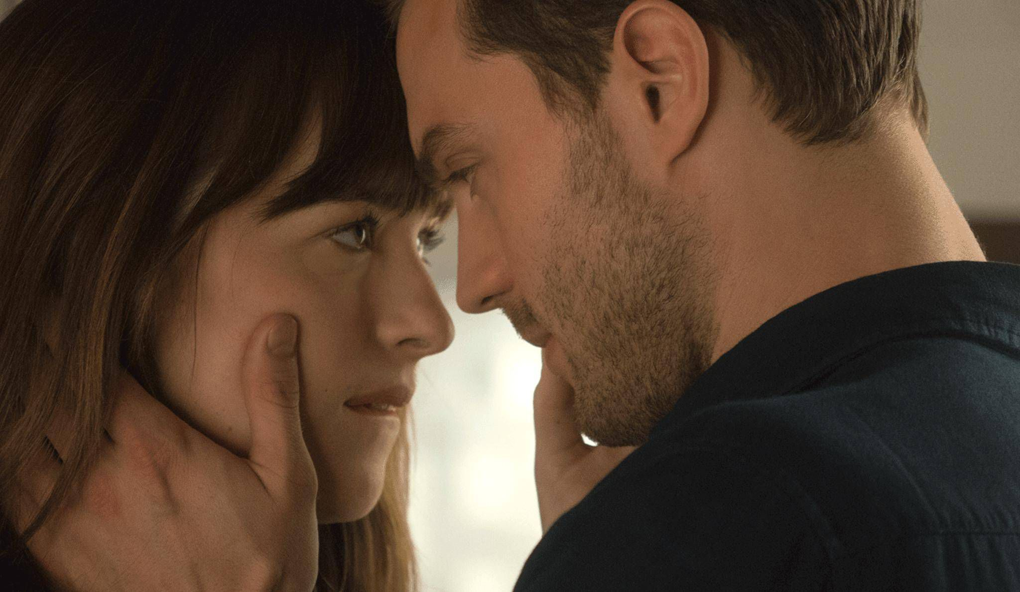 The normalization of stalking and non-consensual BDSM in Fifty Shades Of Grey (2015)