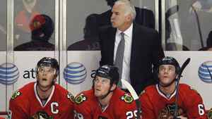 Chicago Blackhawks head coach Joel Quenneville stands behind center Jonathan Toews (L), Bryan Bickell (C) and Sean O'Donnell (R) as they look up at the clock in the final seconds of their season loss to the Phoenix Coyotes during Game 6 of their NHL Western Conference quarter-final hockey playoffs in Chicago, Illinois April 23, 2012. REUTERS/Chicago Blackhawks head coach Joel Quenneville stands behind center Jonathan Toews (L), Bryan Bickell (C) and Sean O'Donnell (R) as they look up at the clock in the final seconds of their season loss to the Phoenix Coyotes during Game 6 of their NHL Western Conference quarter-final hockey playoffs in Chicago, Illinois April 23, 2012. REUTERS/Jim Young