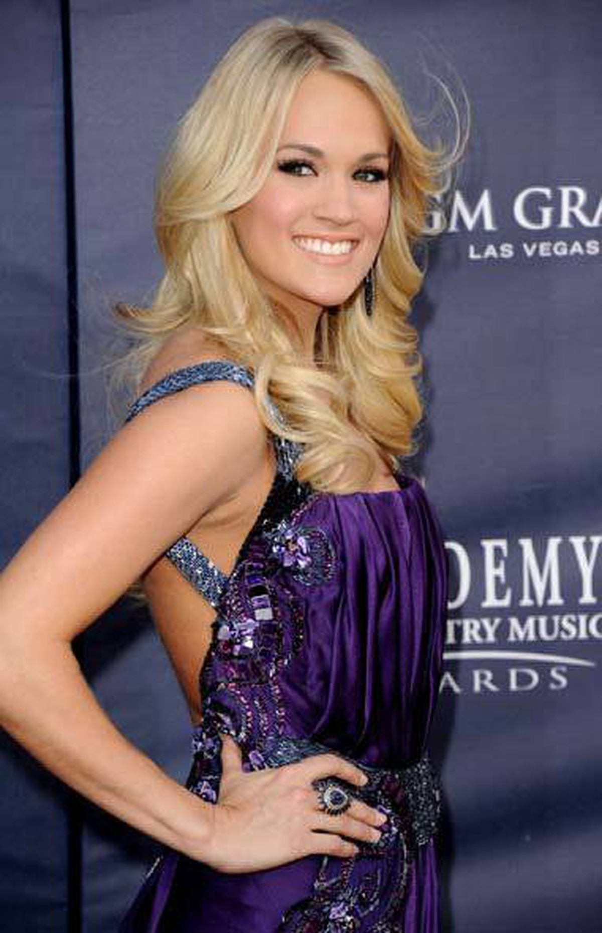 Hockey wife and country singer Carrie Underwood arrives at the Country Music Awards in Las Vegas on Sunday.