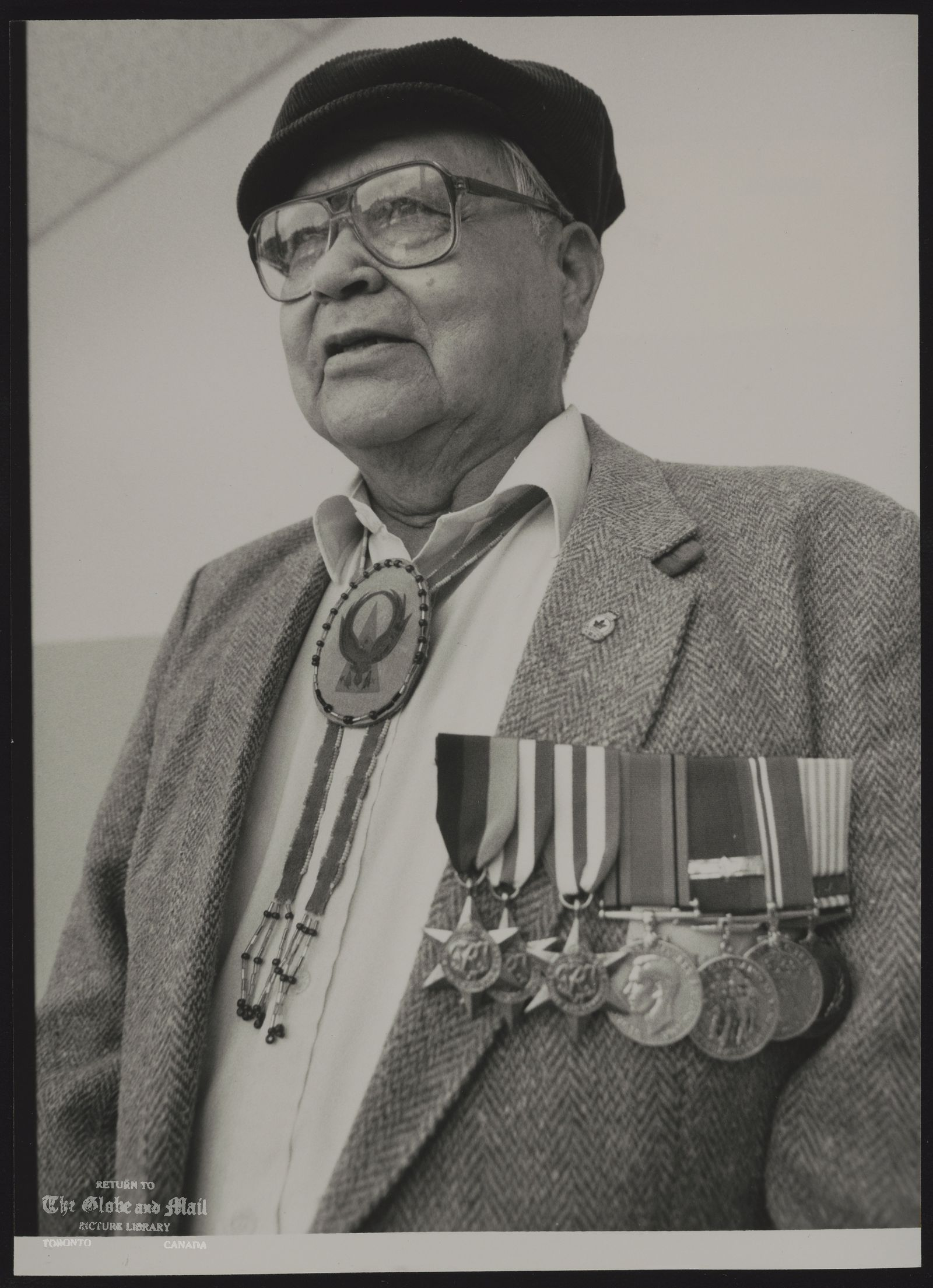 INDIANS CANADA CLIFFORD GEORGE RETURNED FROM THE WAR TO FIND HIS HOMELAND HAD BEEN TAKEN AWAY