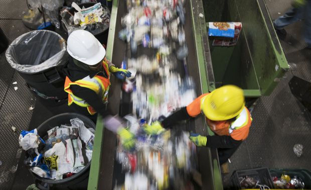 theglobeandmail.com - Jeff Lewis - Wish-cycling: Canada's recycling industry in crisis mode