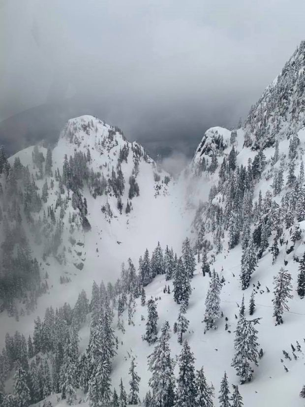 Missing snowshoer found dead in avalanche debris on Vancouver's North Shore