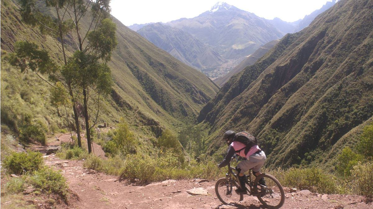 The Chincheros descent, Sacred Valley, Peru