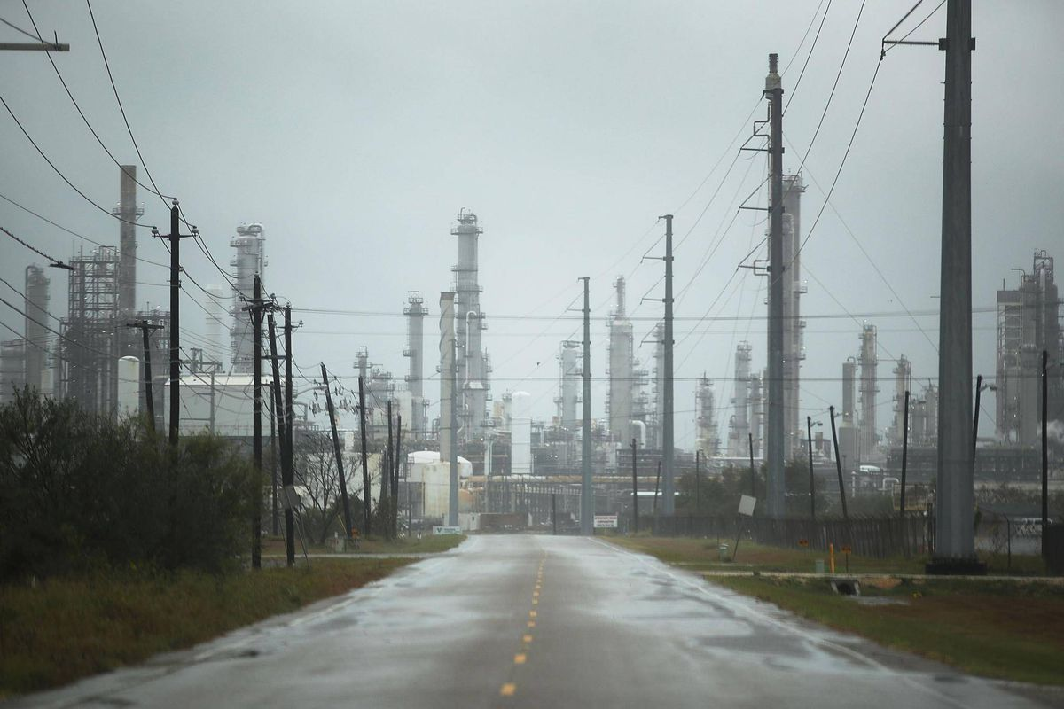 Hurricane Harvey Closes Key Oil Gas Operations In Texas The Globe And Mail