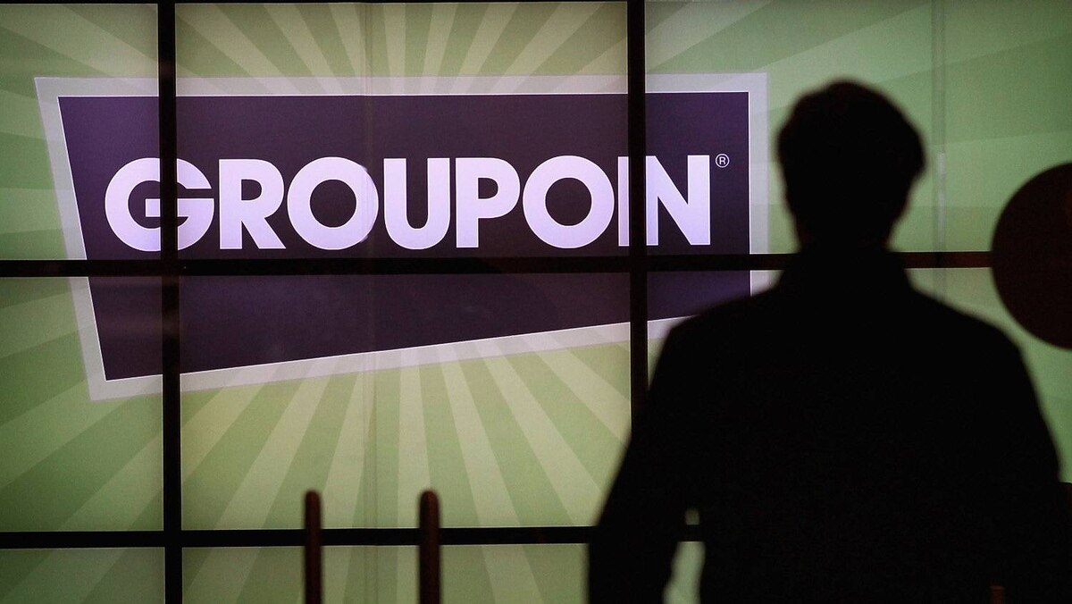 "Nearly lost in last week's hubbub was a pessimistic report on Groupon, which had previously reassured investors with robust revenue growth. In downgrading Groupon to ""equal weight,"" analyst Ken Sena of Evercore Partners suggests Groupon's top line isn't as pretty as it seemed."