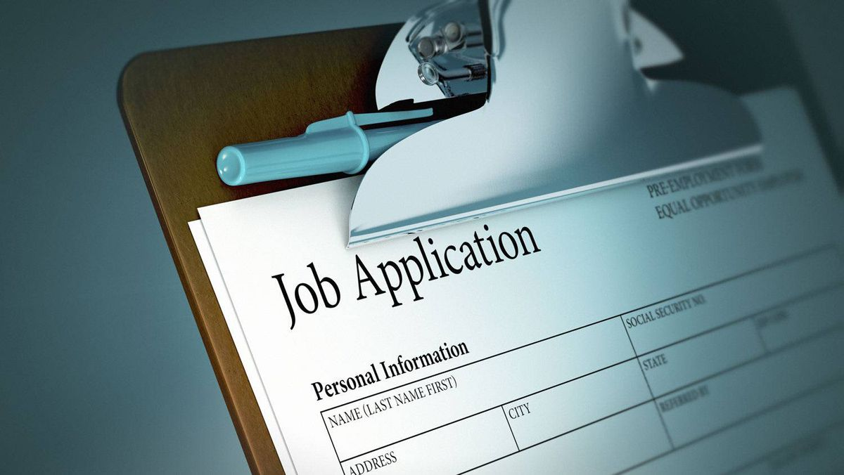 U.S. policy makers are worried that the country's unemployment rate may be getting an artificial slant from the number of people who have given up in their search for jobs.