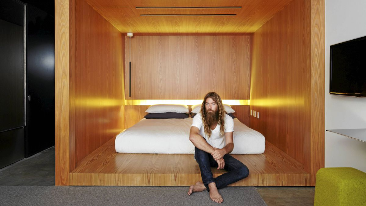Hide out or hold court in ny 39 s hotel americano the globe for Hotel americano nyc