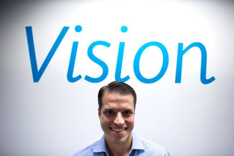 ClearlyContacts.ca rebrands as it moves into eyeglass market