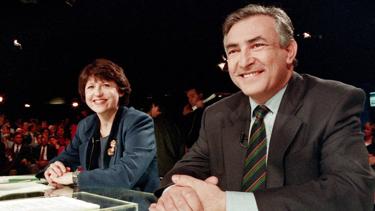 """French Labor Minister Martine Aubry and French Industry and Foreign Trade Minister Dominique Strauss-Kahn take part in the TV broadcast show """"Audition Publique"""" on France 2 channel for the legislative election on February 11, 1993, in Paris."""