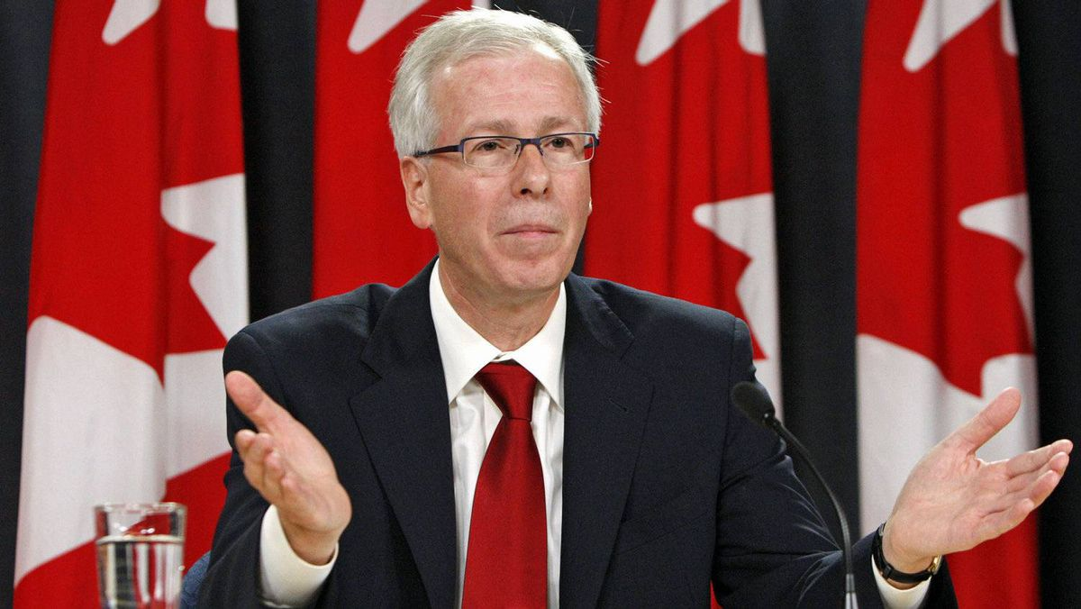 Stephane Dion announces his resignation as leader of the Liberal Party at an Ottawa news conference Oct. 20, 2008.