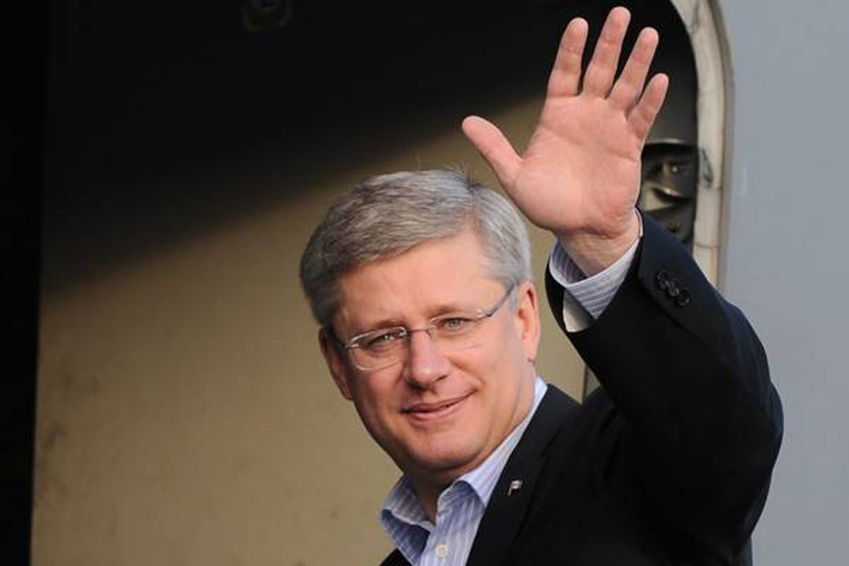 Prime Minister Stephen Harper departs Ottawa's International Airport in Ottawa, on Tuesday, August 23, 2011 on his way to Resolute, Nunavut. Harper will be on a four day tour of the north - visiting Resolute, Baker Lake, Whitehorse, Yellowknife and Haines Junction.