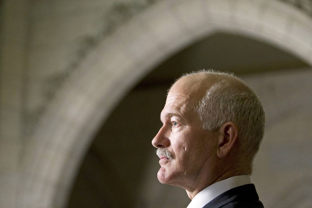 New Democrat Leader Jack Layton speaks with reporters after Question Period on Oct. 7, 2009.