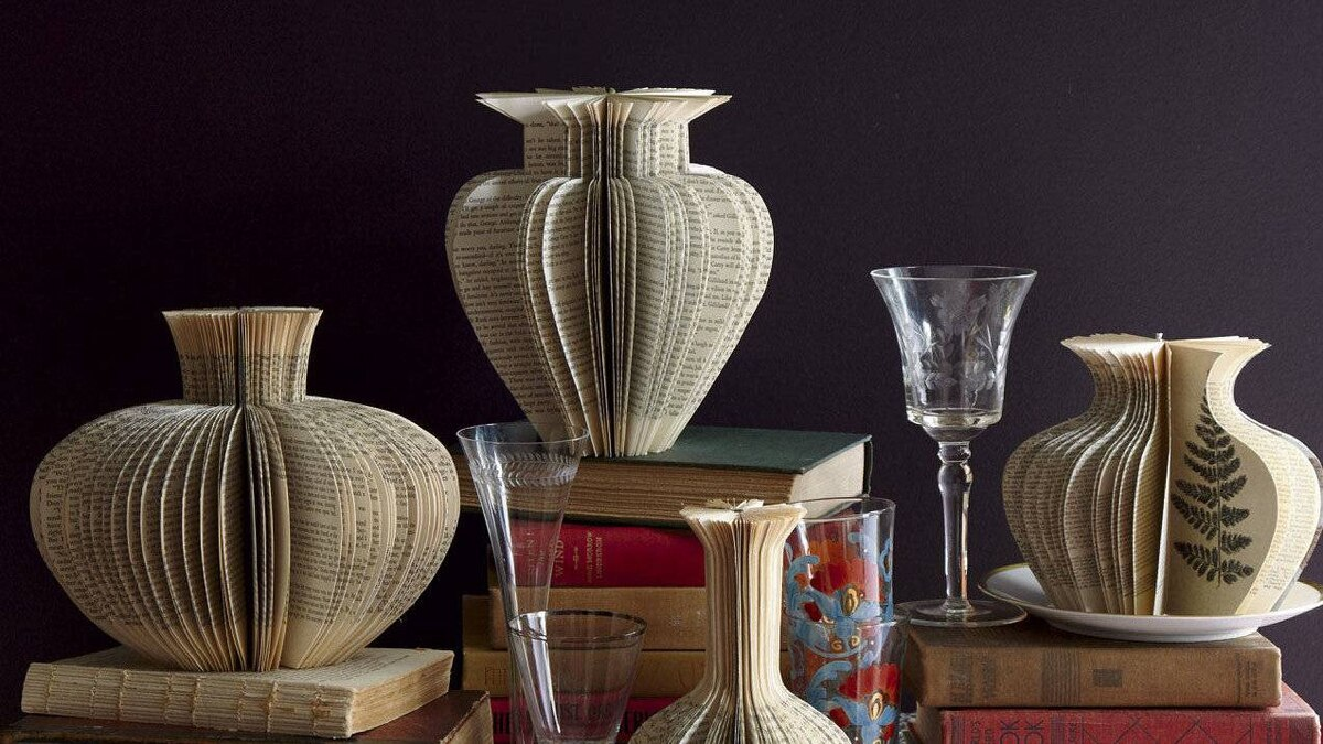 Lisa Occhipinti's Narrative Vases are often made with illustrated books.
