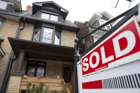 Toronto home sales sink 26.7% in October