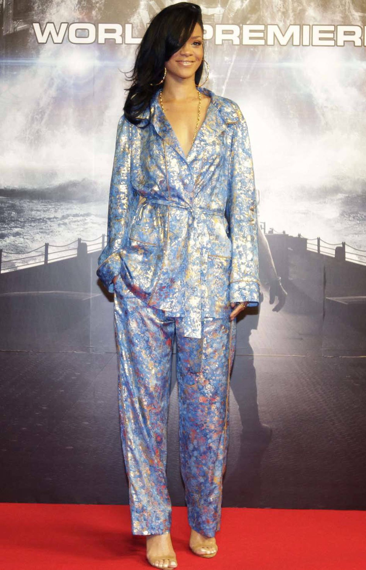 "Now she remembers: ""Change out of hotel pajamas before leaving room to go to world premiere of 'Battleship' in Tokyo on Monday."""