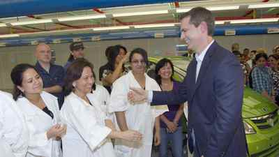 Ontario Liberal Leader Dalton McGuinty greets workers during a campaign event on Sept. 12, 2011, at Electrovaya in Mississauga.