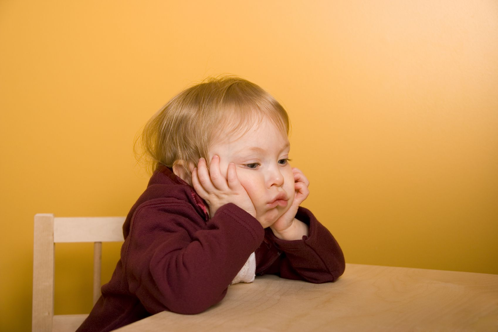 How can I encourage my 5-year-old to take responsibility and apologize when he behaves badly?
