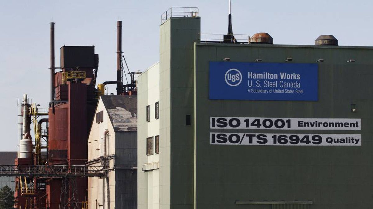 The U.S. Steel Canada plant, formerly Stelco, is shown in Hamilton, March 4, 2009. Pittsburgh-based parent company United States Steel Corporation announced Tuesday that they will temporarily close the Hamilton Works mill and much of its Lake Erie Works operations laying-off more than 1500 employees.