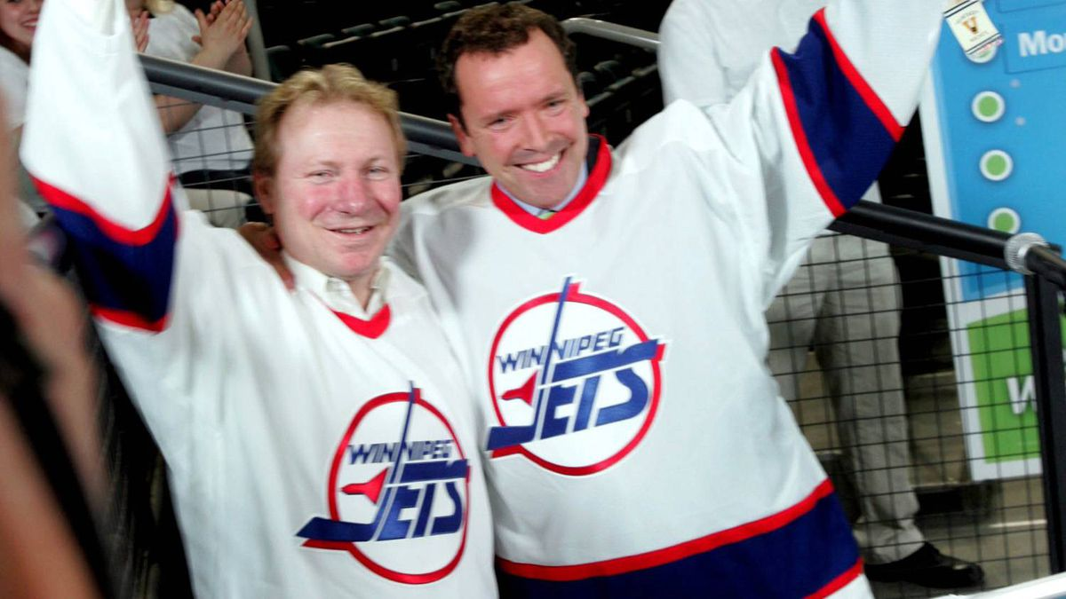 Manitoba Conservative leader Hugh McFadyen (right) campaigns with former Winnipeg Jets player Thomas Steen at the MTS Centre in Winnipeg. Monday, May 7, 2007. The provincial election campaign has turned its attention to hockey with the Conservatives promising to bring the NHL back to Winnipeg.