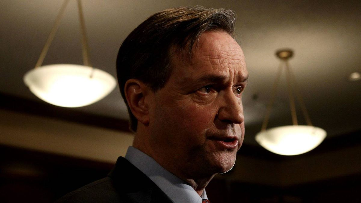 Education Minister George Abbott has flat-out refused to negotiate with the BC Teachers Federation about class size, saying he isn't convinced smaller classrooms result in better instruction.