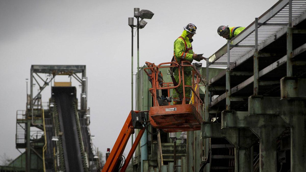Workers make upgrades to the Ridley terminal coal port, part of a $90-million expansion.
