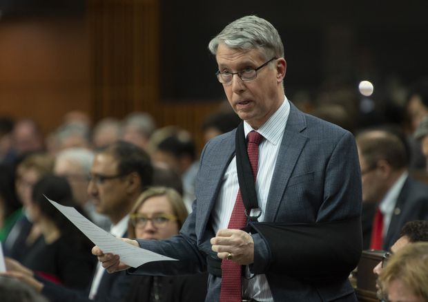 Former Liberal MP calls for government to urgently fix funding 'hole' for severely injured veterans