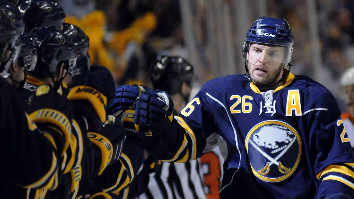 Buffalo Sabres' Thomas Vanek (26) celebrates his goal with teammates during the first period of Game 6 of their NHL Eastern Conference quarter-final hockey game against the Philadelphia Flyers in Buffalo, New York April 24, 2011. REUTERS/Doug Benz