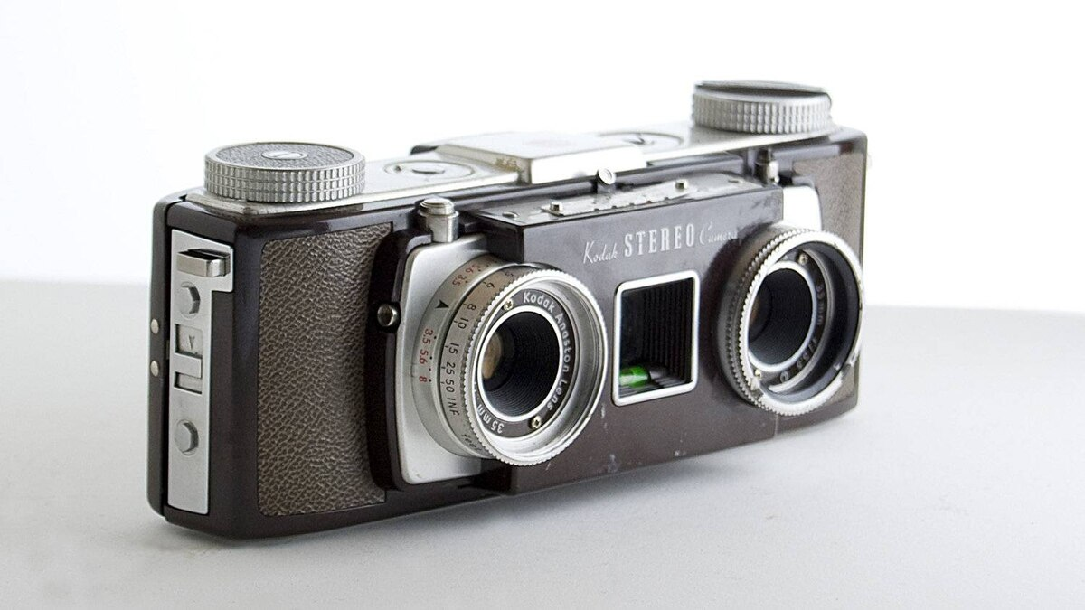 The Kodak Stereo Camera, introduced in 1954 and discontinued in 1959. The two lenses produced side-by-side images of the same subject, which gave the image a 3D effect when viewed through a stereo viewer.
