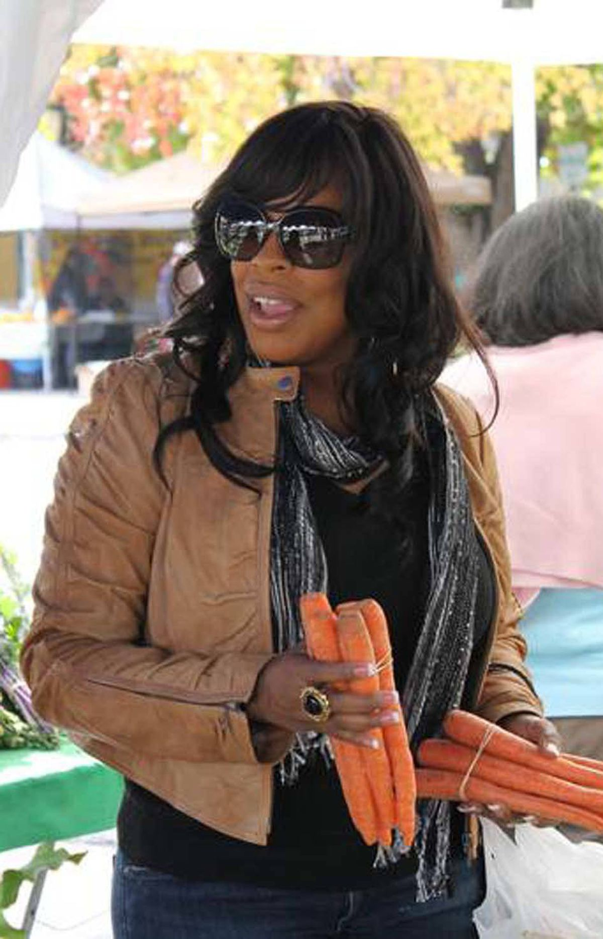REALITY Leave It to Niecy TLC, 8 p.m. ET; 10 p.m. PT Who is Niecy Nash and why does she have her own reality series? The fortysomething actress has built a career on playing brassy support roles on TV series like The Bernie Mac Show and That's So Raven, and was also a contestant on the 10th season of Dancing with the Stars. This new series documents Niecy's recent marriage to Jay Tucker and the subsequent blending of their respective families, which includes her three children and his young son. And does forced drama arise in this mixed family? In tonight's first show, Niecy tries to force her spoiled kids to bond with their new stepfather. In the second show, she tries to get the entire family eating healthily, but everyone is too hooked on junk food. You go, girl!
