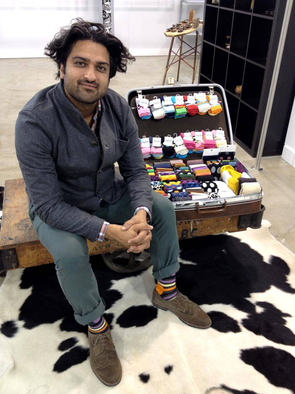 When a shipment of socks was delayed, Yousaf Khurshid of United Legwear Canada helped his customers come up with ways to recoup lost revenue.