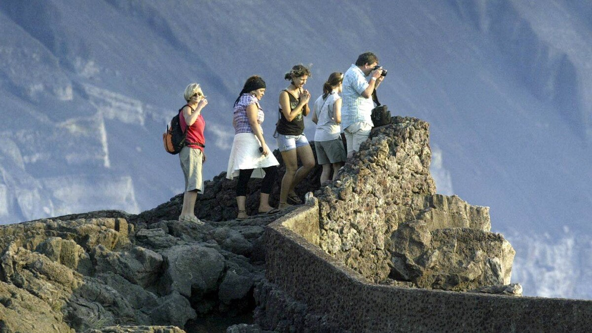 Getting a good view of the main crater of the Santiago volcano while visiting Masaya national park in Nicaragua.
