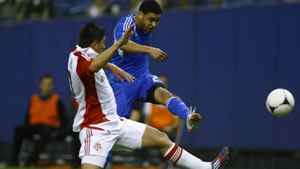 Montreal Impact Lamar Neagle (back) fights for the ball with Toronto FC Miguel Aceval during the first half of their first leg of the 2012 Amway Canadian Championships soccer match in Montreal, Quebec May 2, 2012.