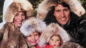Liberal MP Justin Trudeau poses with his family on his annual Christmas card.