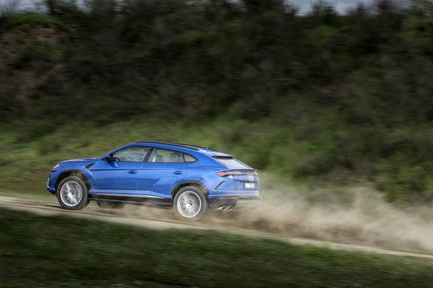 Review: Lamborghini Urus looks wild and drives fast - The