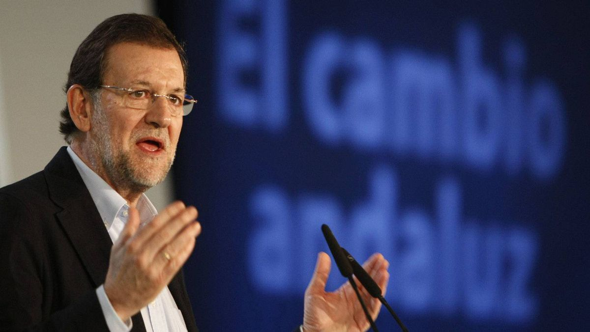 Spain's Prime Minister Mariano Rajoy makes his speech during a campaign rally in Almeria, March 10, 2012.