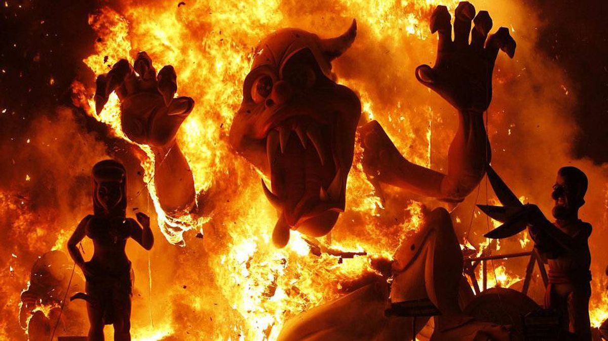 Effigies burn during the finale of the Fallas festival in Valencia, Spain, in the early hours of March 20, 2012.