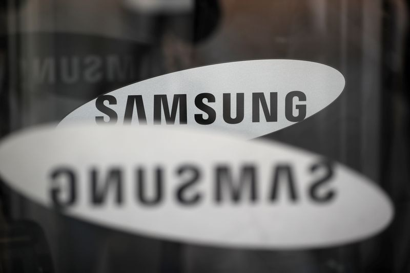 Samsung enters Canadian 5G wireless equipment market with Vidéotron deal