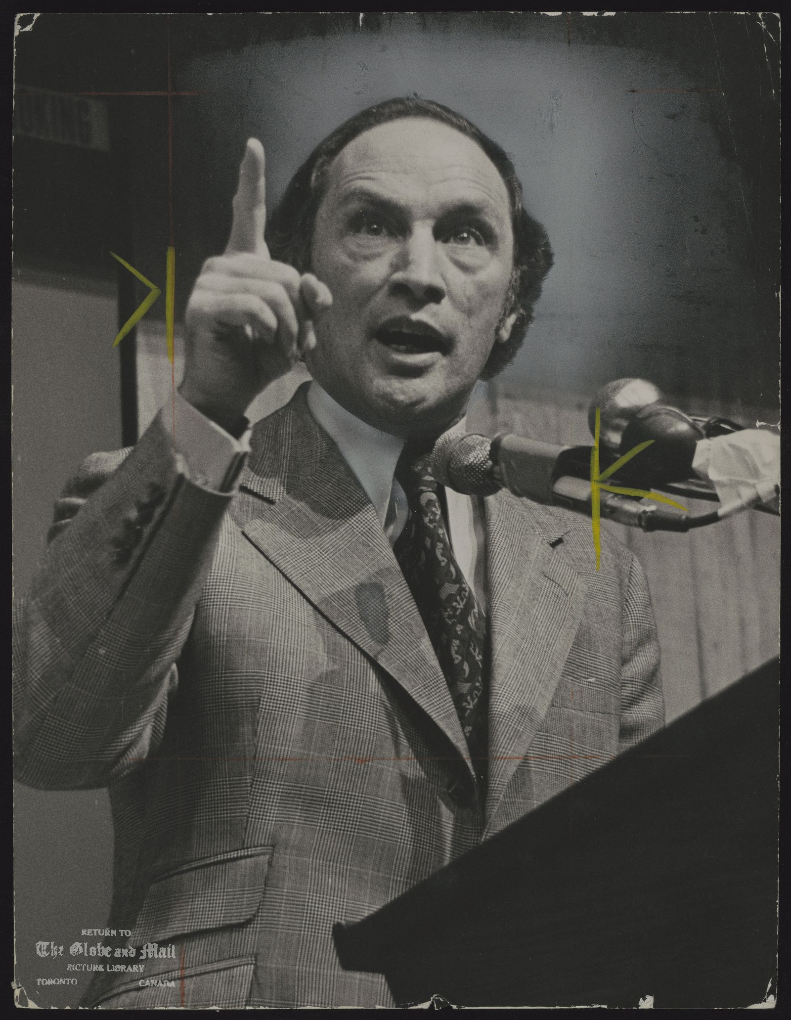 Pierre TRUDEAU Ottawa. Politician. Trudeau Campaigning at York University at a gathering of Lberal candidates for Ontario ridings on May 18, 1974