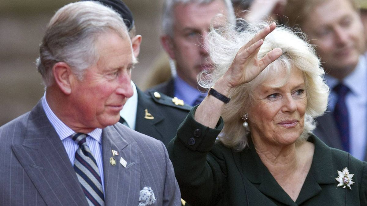 Britain's Prince Charles and his wife Camilla, Duchess of Cornwall, arrive at Queens Park in Toronto May 22, 2012. The Prince of Wales and his wife are on a three-day royal tour of Canada as part of events that mark the Queen's Diamond Jubilee.