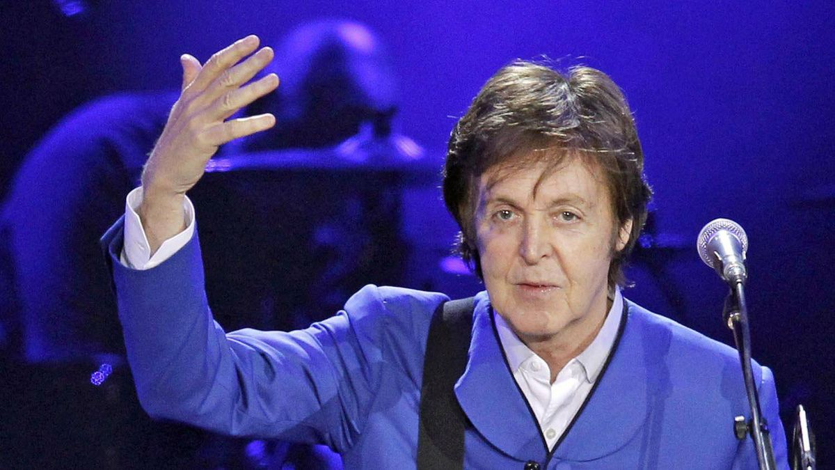 Sir Paul McCartney performs on stage on November 30, 2011, at the Bercy Palais-Omnisport (POPB) in Paris.