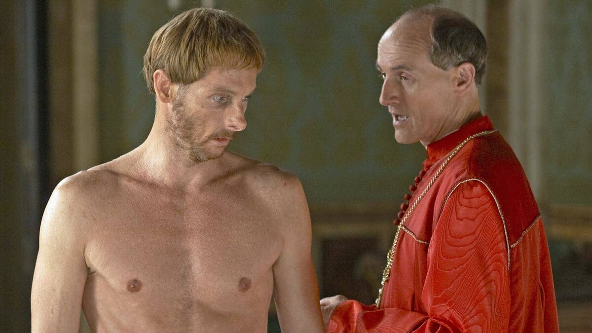 Sean Harris as Micheletto and Colm Feore as Cardinal Della Rovere in The Borgias.