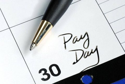 One-third of Canadian households living paycheque to paycheque